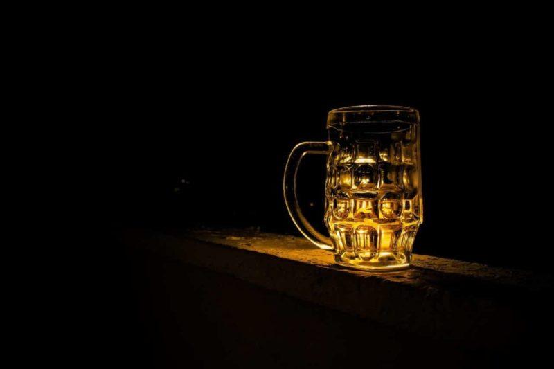 Vaso inteligente llama al camarero cuando se necesita otra cerveza