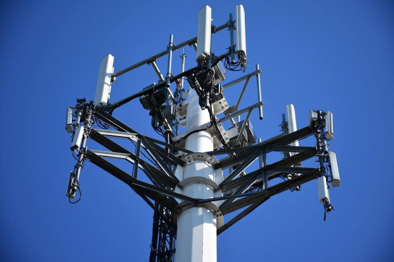 El 100% de los abonados a telefonía rural tendrá Internet a finales de 2004