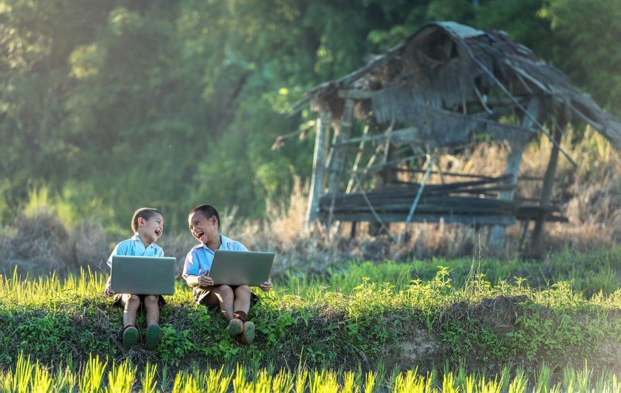 Proponen teclas de auxilio para los niños en salas de charlas de Internet