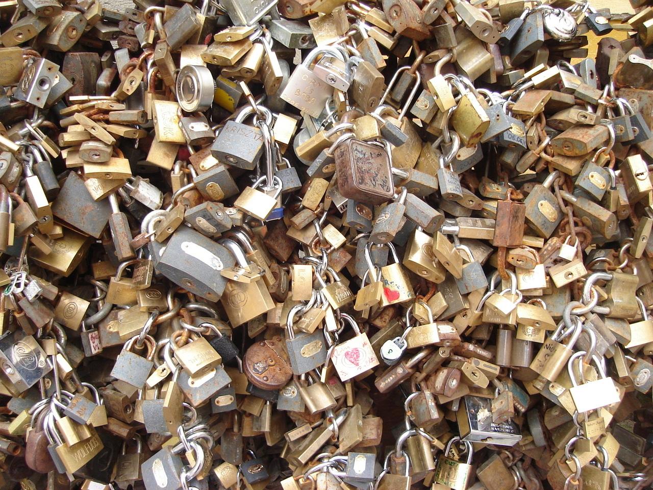 Vídeo: WordPress no necesita plugins de seguridad