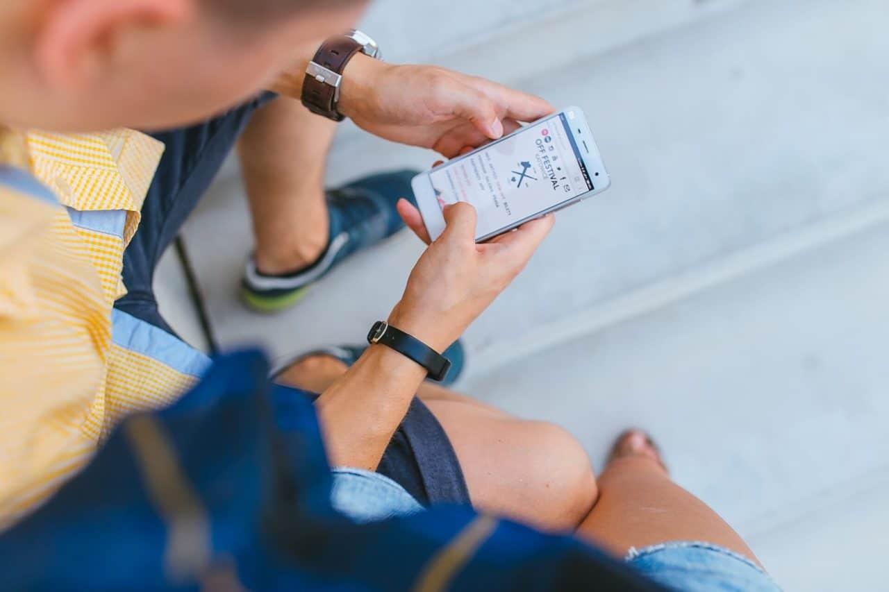 Envío mensajes cortos texto disminuirá a partir 2004, según Nokia