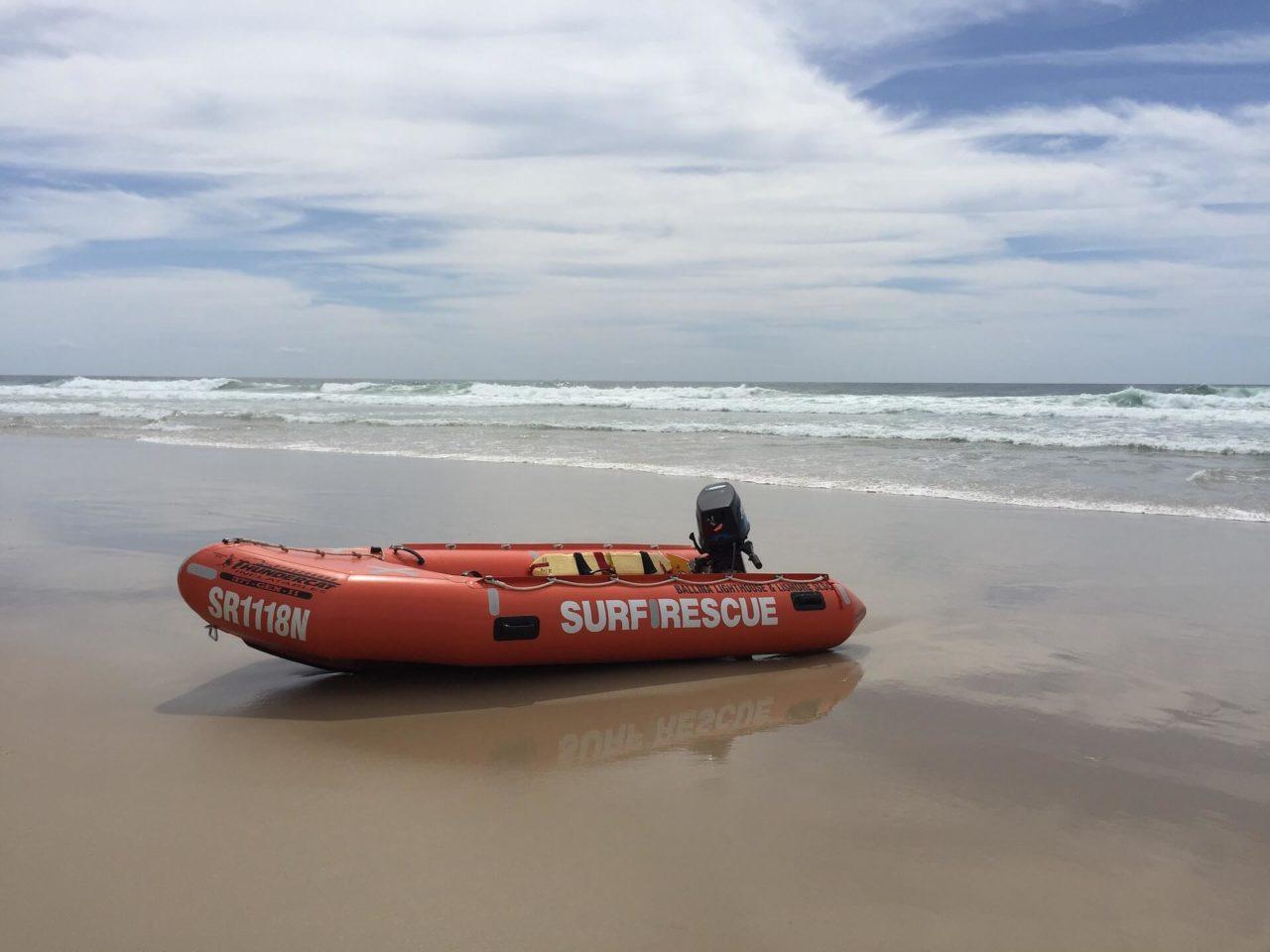 Sobreviviente de naufragio diseña una balsa salvavidas