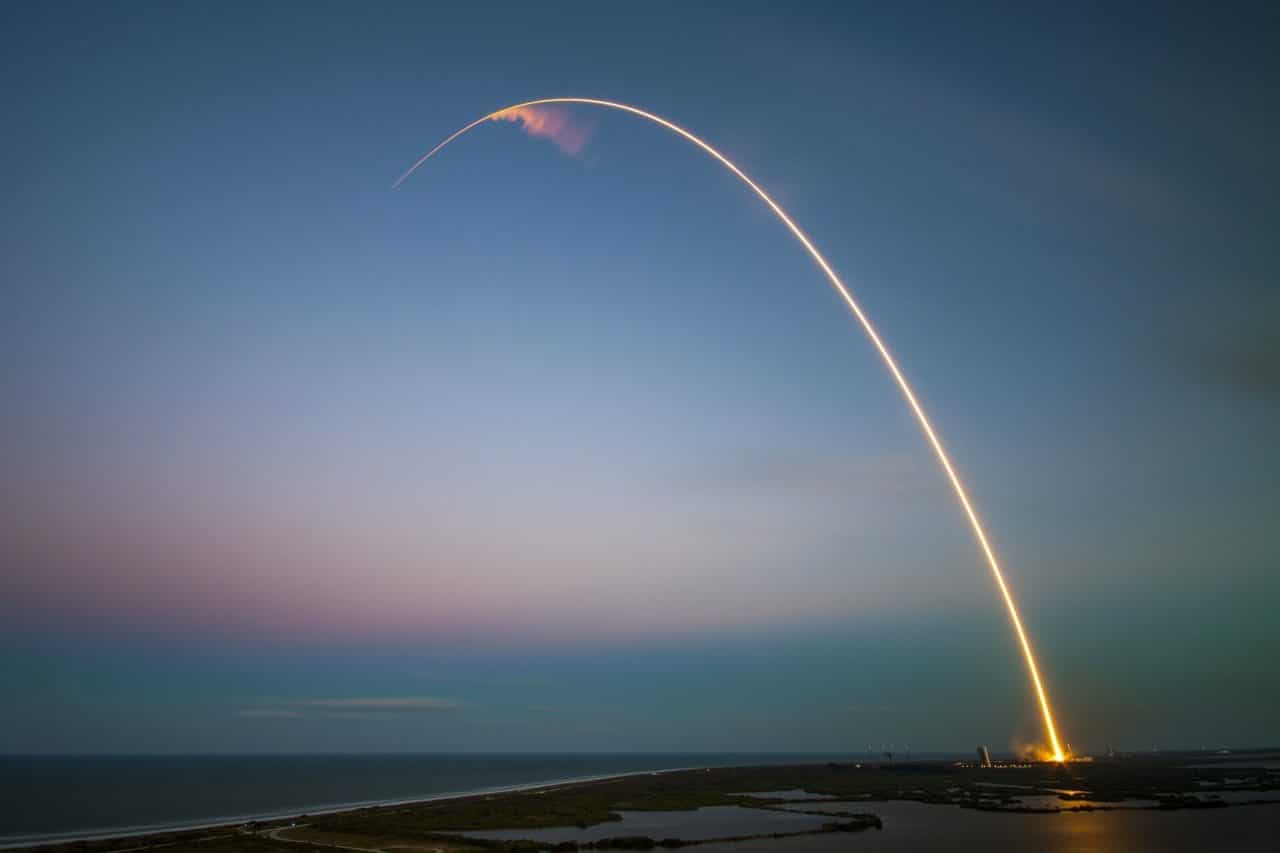 Un cohete perdido en el espacio por décadas regresa a Tierra