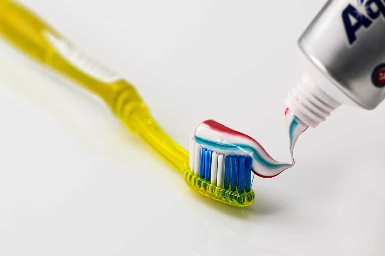 Estadounidenses eligen el cepillo de dientes como el mejor invento